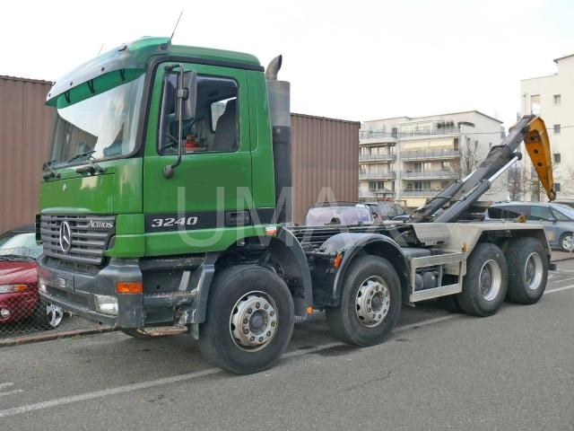 camion cu carlig mercedes benz 3240 second hand umax camioane utilaje i echipamente cluj. Black Bedroom Furniture Sets. Home Design Ideas